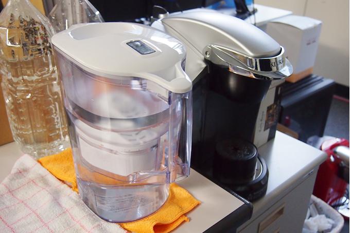 ブリタ ポット型浄水器 「アルーナXL」(浄水部容量2.0L) BJNAL[BJNAL]