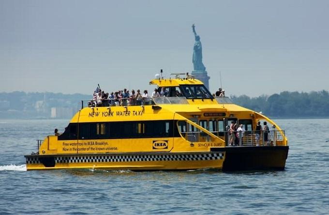 IKEA 水上タクシー