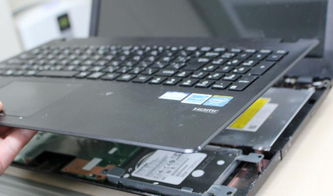 電源の入らないノートPCを買って直せるかチャレンジ ASUS X551M 分解修理